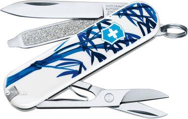 Акция на Швейцарский нож Victorinox Сlassic The Giant Panda (0.6223.L1708) от Rozetka