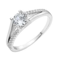 Серебряное кольцо с кристаллами циркония 000118373 000118373 17.5 размера от Zlato