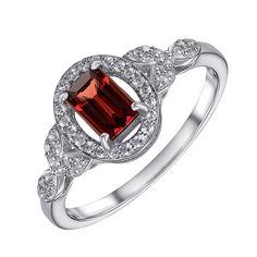 Серебряное кольцо с гранатом и фианитами 000133754 15.5 размера от Zlato