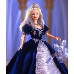 Акция на Коллекционная Кукла Барби Принцесса Тысячелетия Блондинка в синем платье 1999 года - Millennium Princess Barbie от Allo UA