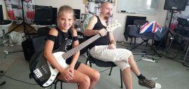 Акция на Обучение игре на бас гитаре в «Rambros Studio» от Pokupon