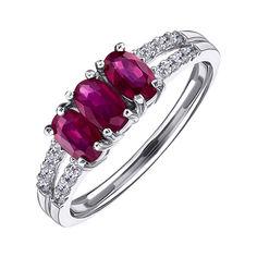 Акция на Серебряное кольцо с рубинами и фианитами 000117884 18 размера от Zlato
