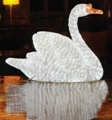 Акция на Новогодняя светодиодная декорация Scorpio Лебедь 85х68 см Белая (560347) (4820005603473) от Rozetka