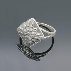 Акция на Серебряное кольцо оберег Женское счастье, 18 размер от Allo UA