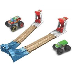 Акция на Ігровий набір Подвійний старт серії Monster Trucks Hot Wheels GYC80 (887961968514) от Allo UA